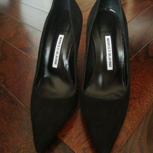 Manolo Blahnik麂皮高跟鞋