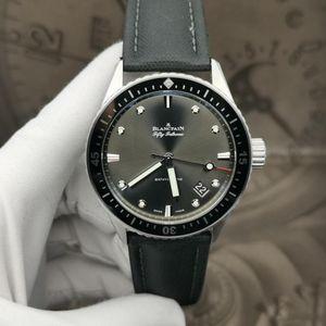 Blancpain 宝珀5000-1110-B52A机械腕表