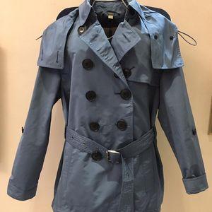 Burberry 博柏利蓝色套头风衣