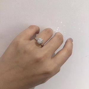 钻石  1.3克拉钻戒