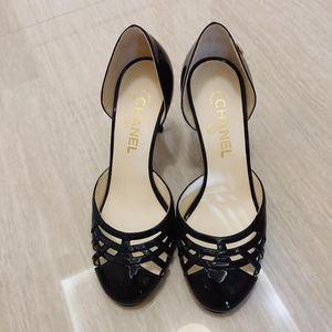 CHANEL 香奈儿双C logo高跟鞋