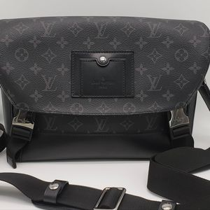 Louis Vuitton 路易·威登邮差黑花小号单肩包
