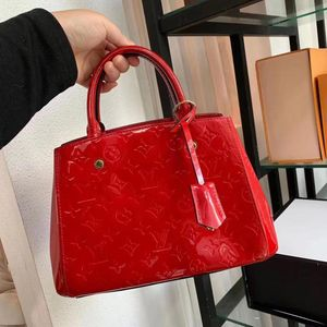 Louis Vuitton 路易·威登苹果红漆皮手提单肩包