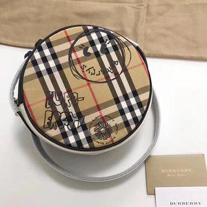 Burberry 博柏利圆饼包