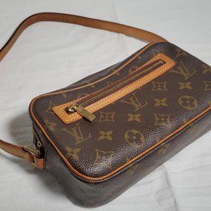 Louis Vuitton 路易·威登盒子相机包