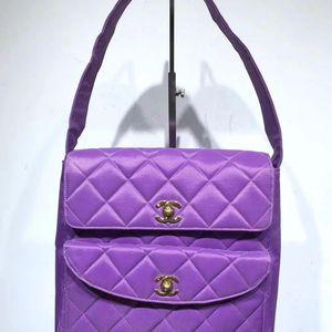 CHANEL 香奈儿紫色手提包