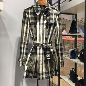 Burberry 博柏利伦敦系列经典格纹薄款风衣