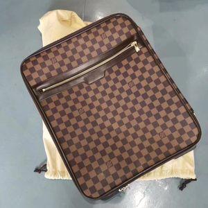 Louis Vuitton 路易·威登棋盘格旅行箱