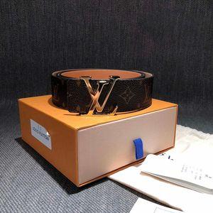 Louis Vuitton 路易·威登老花淡金头腰带