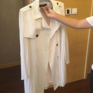 MaxMara 麦丝玛拉白色风衣大气优雅风衣
