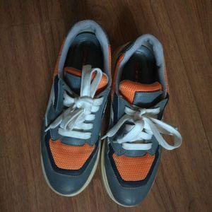 PRADA 普拉达运动休闲鞋