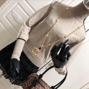 MaxMara 麦丝玛拉高领贝母扣奶茶色羊毛针织衫