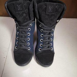 Louis Vuitton女士休闲鞋
