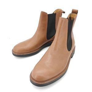 COACH 蔻驰棕色靴子