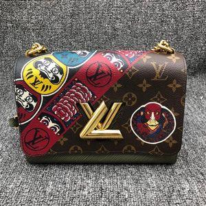 Louis Vuitton 路易·威登印花TWIST中号单肩斜挎手袋