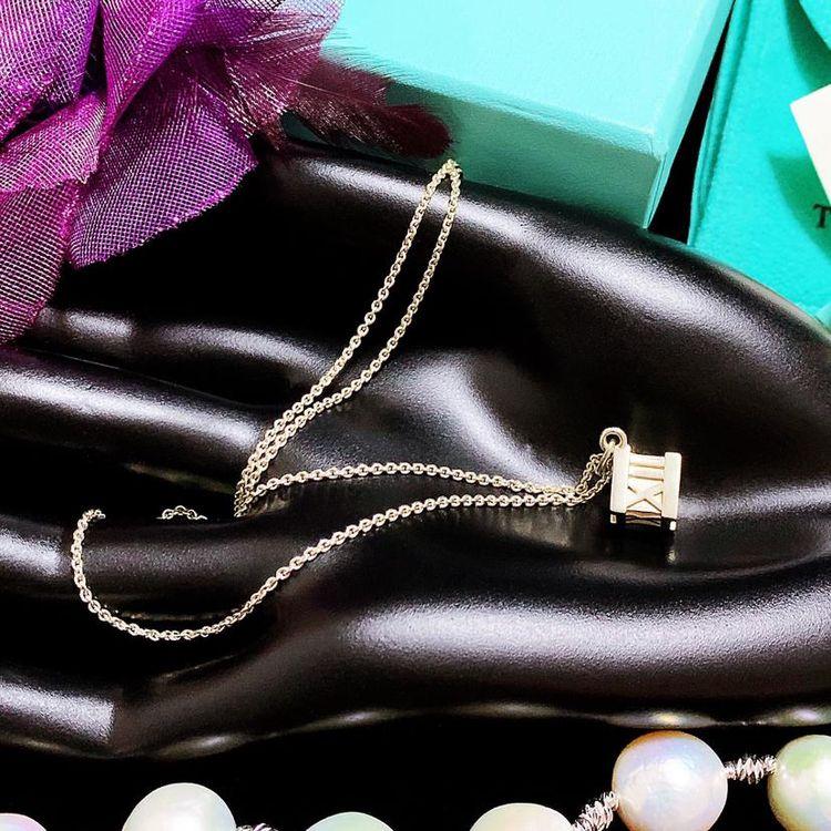 Tiffany & Co. 蒂芙尼限量款浮雕镂罗马数字骰子吊坠纯银项链