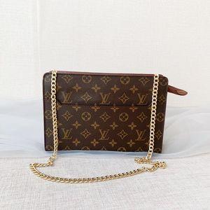 Louis Vuitton经典老花手拿包