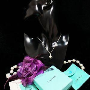Tiffany & Co. 蒂芙尼 限量款浮雕镂刻罗马数字骰子吊坠纯银项链
