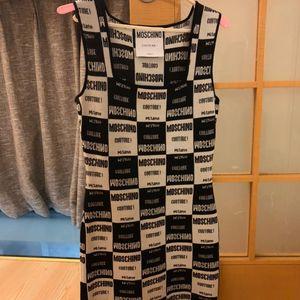 Moschino 莫斯奇诺针织衫连衣裙黑白经典配色