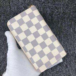 Louis Vuitton 路易·威登女士白棋盘手拿钱包