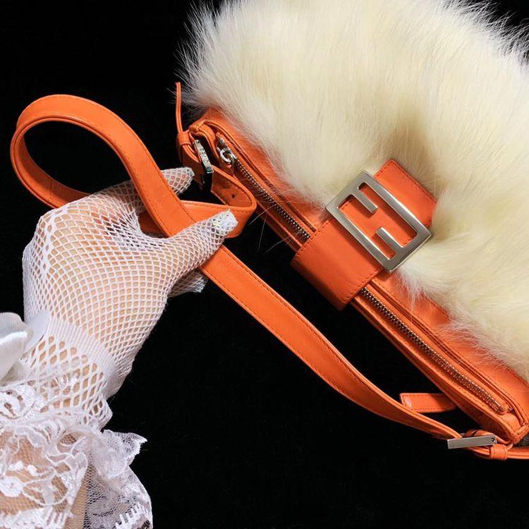 FENDI 芬迪 限量款奢华白狐毛毛皮草拼皮法棍手提单肩包