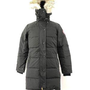 Canada Goose  加拿大鹅黑色长款羽绒服
