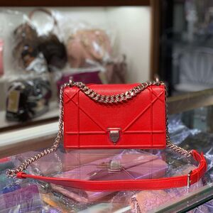 Dior 迪奥小号红色荔枝纹牛皮链条包