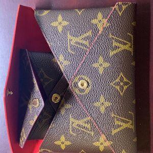 Louis Vuitton  路易威登手拿包