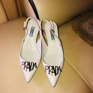 PRADA 普拉达女士中跟鞋