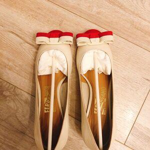 Ferragamo 菲拉格慕女士平底鞋