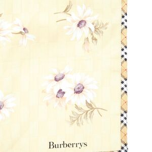 Burberry 博柏利鸭黄色花朵方巾