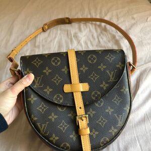 Louis Vuitton  路易威登中号老花盾牌包