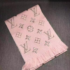 Louis Vuitton 路易·威登粉色羊毛拼金丝围巾