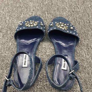 Miu Miu缪缪牛仔蓝铆钉水钻装饰凉鞋