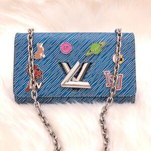Louis Vuitton 路易·威登限量19年款徽章水波纹旋转扣WOC单肩包