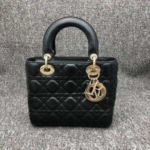 Dior 迪奥戴妃四格徽章黑色女士包