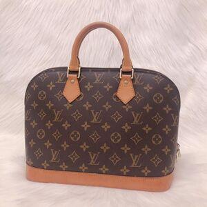 Louis Vuitton经典老花logo贝壳包