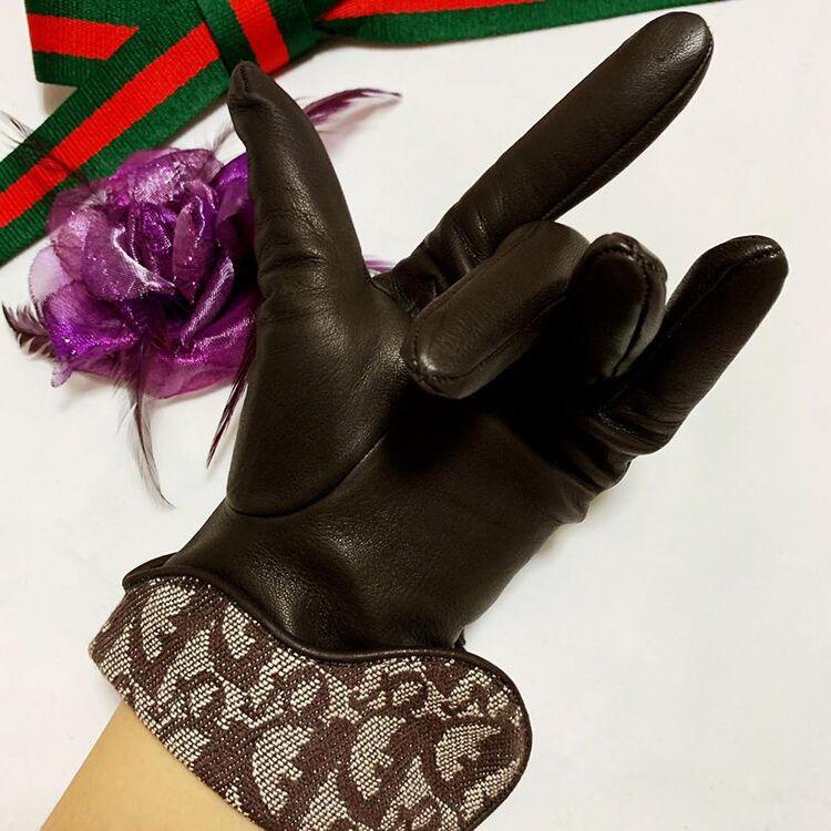 Dior 迪奥马鞍限量款D扣咖金老花小羊皮两用款手套
