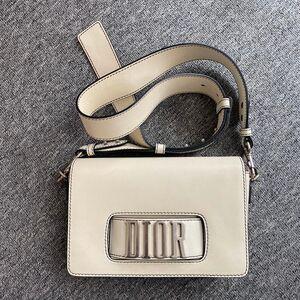 Dior 迪奥宽肩带款子母包单肩斜挎包