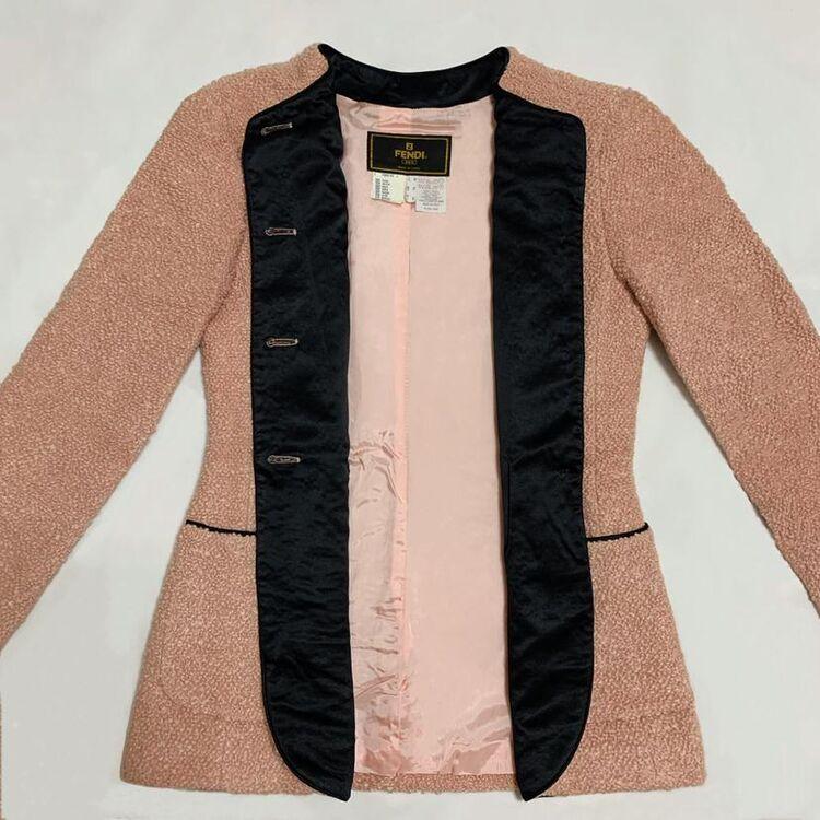 FENDI 芬迪限量款脏粉色立体颗粒卷毛绒拼黑丝绒羊毛西服+半裙套装