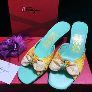 Ferragamo 菲拉格慕夏威夷风情蝴蝶结蒂芙尼蓝牛皮小猫跟凉鞋/拖鞋