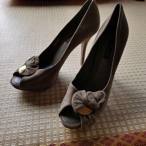Louis Vuitton女士高跟鞋
