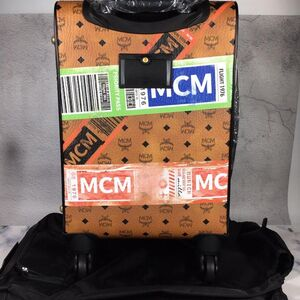 MCM经典大logo印花万向轮旅行箱