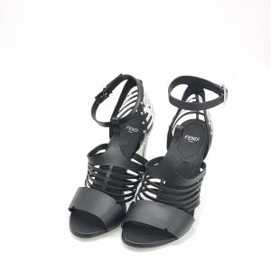 FENDI 芬迪黑色高跟鞋
