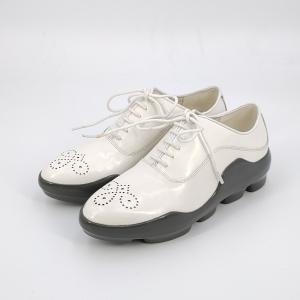PRADA 普拉达白色皮鞋