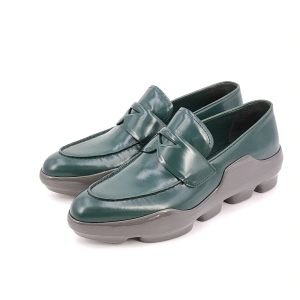 PRADA 普拉达绿色休闲37.5码皮鞋