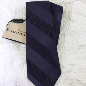 Burberry博柏利男士深蓝色真丝领带