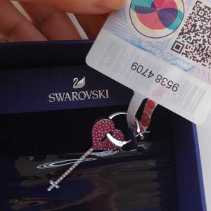 SWAROVSKI女士耳饰爱心锁粉色