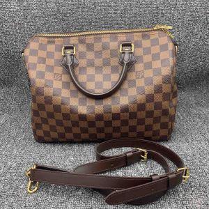 Louis Vuitton女士可手提单肩斜挎包