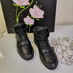 Louis Vuitton男士休闲鞋